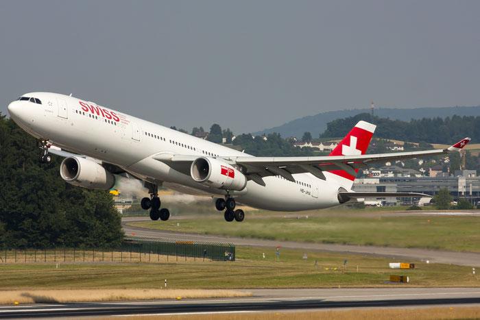 HB-JHA A330-343E 1000 Swiss International Air Lines @ Zurich Airport 20.07.2013 © Piti Spotter Club Verona