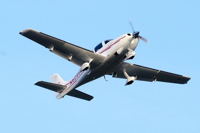 N6099Z - Cirrus SR-22 - Private @ Aeroporto di Bolzano © Piti Spotter Club Verona
