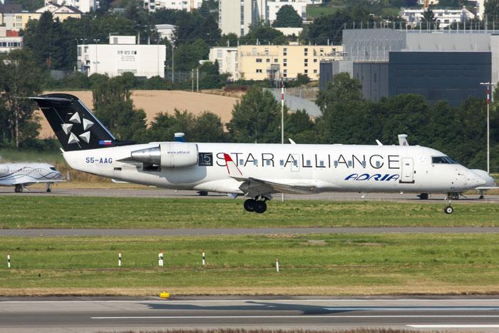 S5-AAG CRJ200LR 7384 Adria Airways @ Zurich Airport 20.07.2013 © Piti Spotter Club Verona