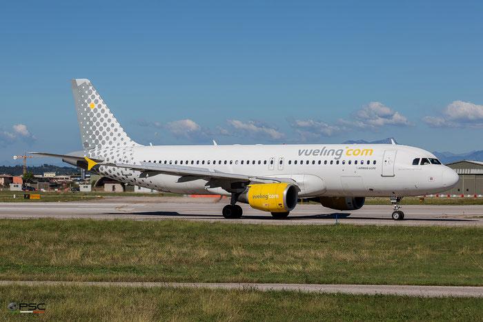 EC-KDH A320-214 3083 Vueling Airlines - @ Aeroporto di Verona - 05/10/2016 © Piti Spotter Club Verona