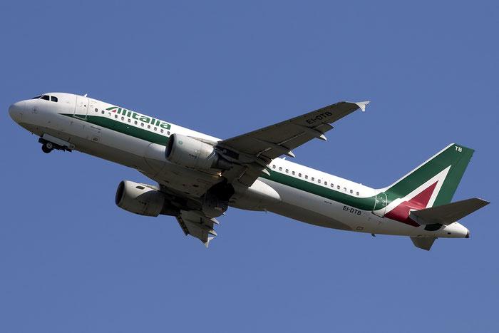 EI-DTB A320-216 3815 Alitalia @ Venezia Airport 22.08.2015 © Piti Spotter Club Verona