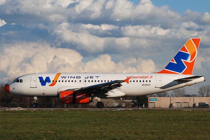 EI-ECY A319-132 2723 Wind Jet @ Milano Linate Airport 102.01.2010 © Piti Spotter Club Verona