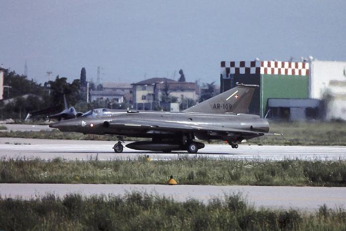 AR-109   RF35  35-1109 @ Aeroporto di Verona   © Piti Spotter Club Verona