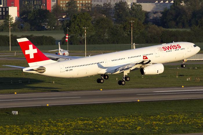 HB-JHH A330-343E 1145 Swiss International Air Lines @ Zurich Airport 05.2016 © Piti Spotter Club Verona