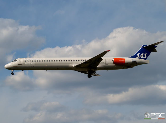 LN-ROU MD-82 49424/1284 SAS Scandinavian Airlines - Scandinavian Airlines System @ London Heathrow Airport 05.05.2007 © Piti Spotter Club Verona