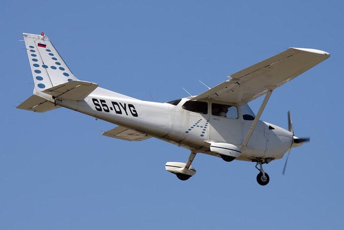 S5-DYG - Private Cessna 172 Skyhawk @ Rimini Airport 20.08.2011 © Piti Spotter Club Verona