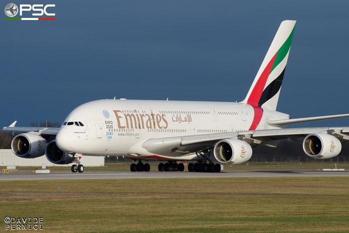 A6-EDC A380-861 16 Emirates @ Munich Airport 13.12.2015 © Piti Spotter Club Verona