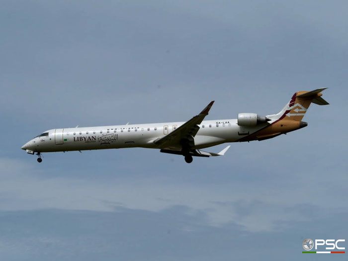 5A-LAA CRJ900ER 15120 Libyan Airlines @ London Heathrow Airport 23.05.2009 © Piti Spotter Club Verona