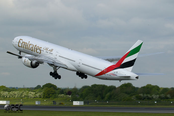A6-EBC B777-31HER 32790/512 Emirates @ Manchester Airport 13.05.2014 © Piti Spotter Club Verona