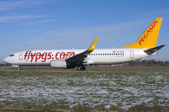 TC-AAZ B737-82R 40875/3325 Pegasus Airlines @ Bologna Airport 10.12.2012 © Piti Spotter Club Verona