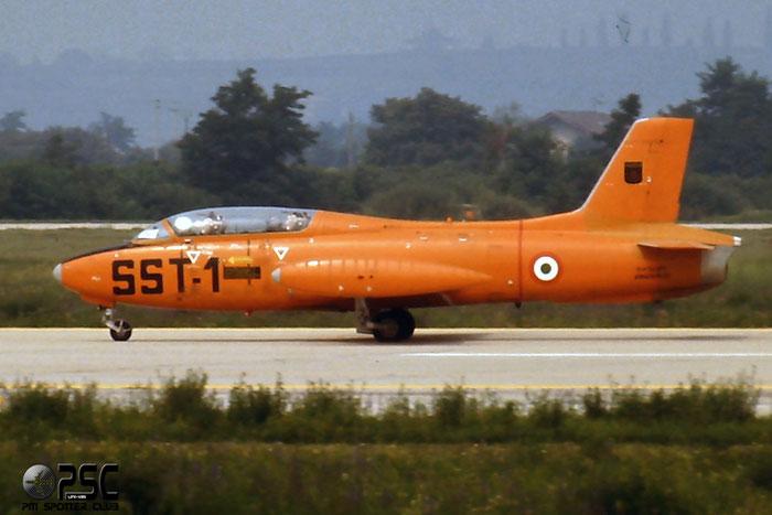 MM54379   MB326E  6492/233 SST-1  @ Aeroporto di Verona   © Piti Spotter Club Verona
