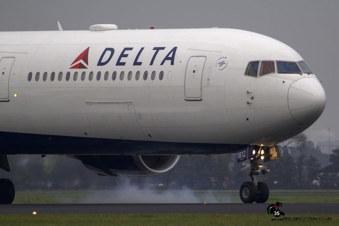 N836MH B767-432ER 29709/818 Delta Air Lines @ Amsterdam Airport 24.10.2015 © Piti Spotter Club Verona