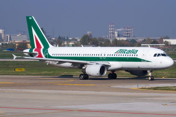 EI-DSD A320-216 3076 Alitalia @ Bologna Airport 05.12.2015 © Piti Spotter Club Verona