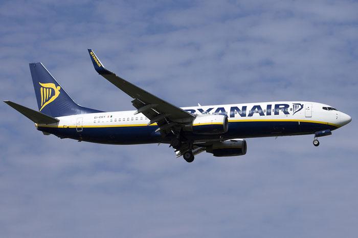 EI-EKY B737-8AS 35031/3230 Ryanair @ Treviso Airport 05.10.2014 © Piti Spotter Club Verona