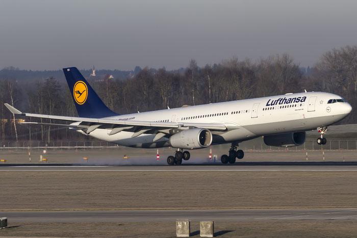 D-AIKH A330-343E 648 Lufthansa @ Munich Airport 28.12.2015 © Piti Spotter Club Verona