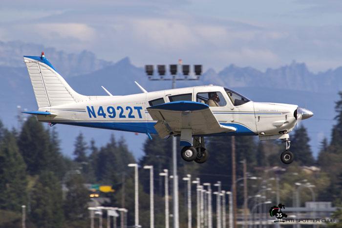 N4922T 1972 PIPER PA-28R-200 @ Paine Field Airport 23.09.2015 © Piti Spotter Club Verona