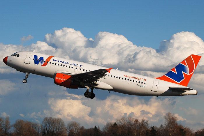 F-GJVC A320-211 204 Wind Jet @ Milano Linate Airport 02.01.2010 © Piti Spotter Club Verona