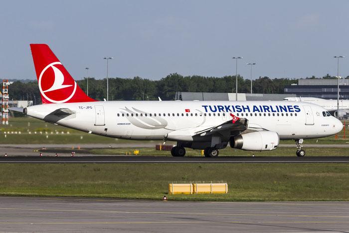 TC-JPG A320-232 3010 Turkish Airlines - THY Türk Hava Yollari @ Frankfurt Airport 08.05.2015 © Piti Spotter Club Verona