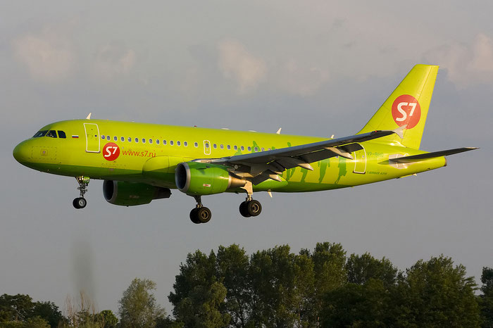 VP-BHQ A319-114 2641 S7 Airlines @ Treviso Airport 09.06.2012 © Piti Spotter Club Verona