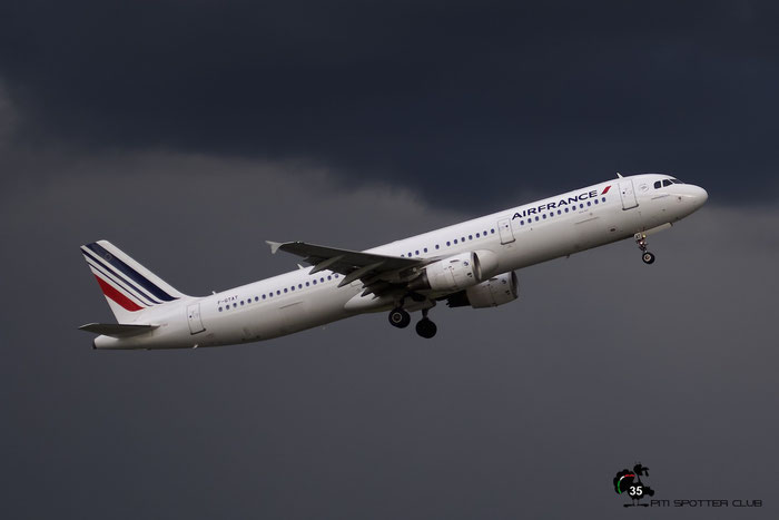 F-GTAT A321-211 3441 Air France @ Manchester Airport 21.06.2015 © Piti Spotter Club Verona