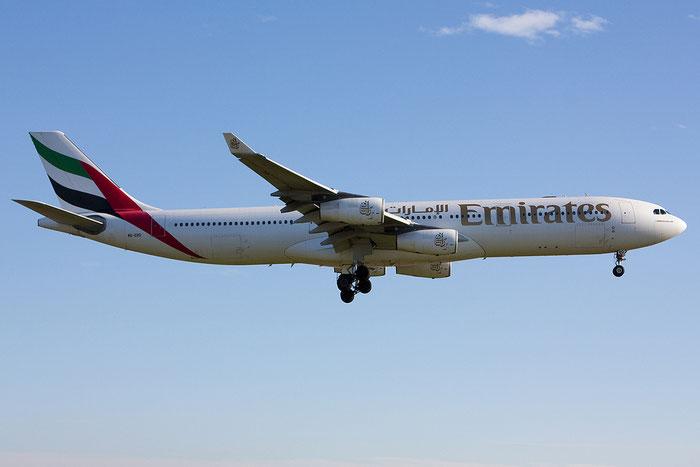 A6-ERO A340-313X 163 Emirates @ Venezia Airport 05.11.2012 © Piti Spotter Club Verona