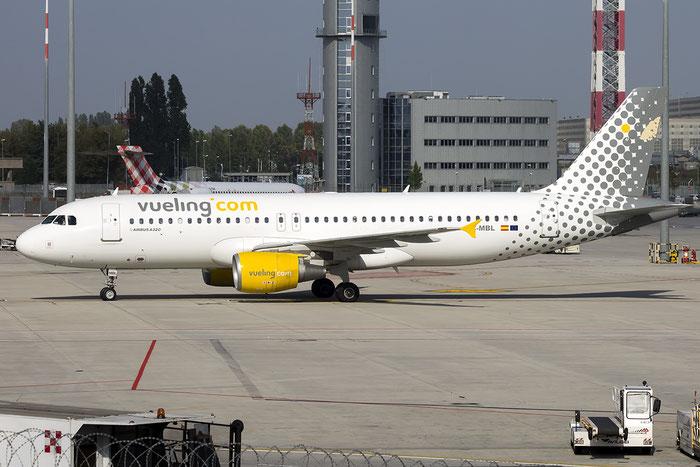 EC-MBL A320-214 3833 Vueling Airlines @ Venezia Airport 01.10.2015 © Piti Spotter Club Verona