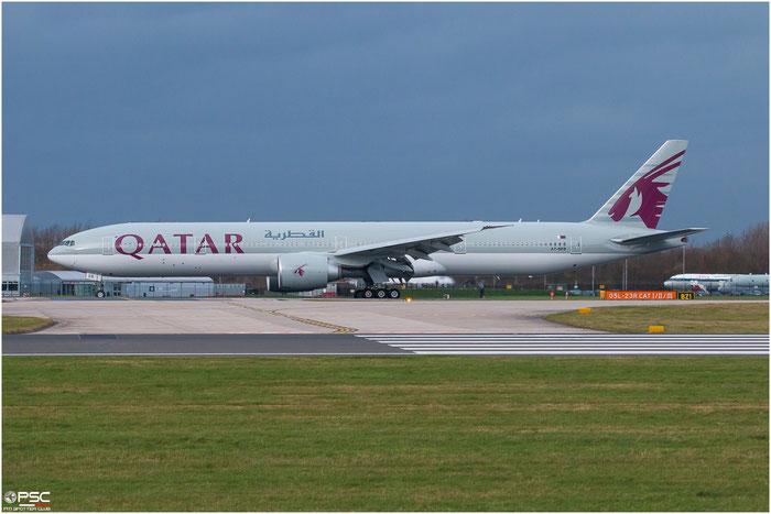 A7-BEB  B777-3DZER  43215/1218  Qatar Airways  @ Manchester 2015 © Piti Spotter Club Verona
