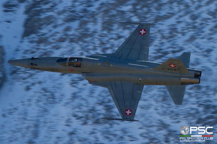 J-3097   F-5E  L1097 © Piti Spotter Club Verona
