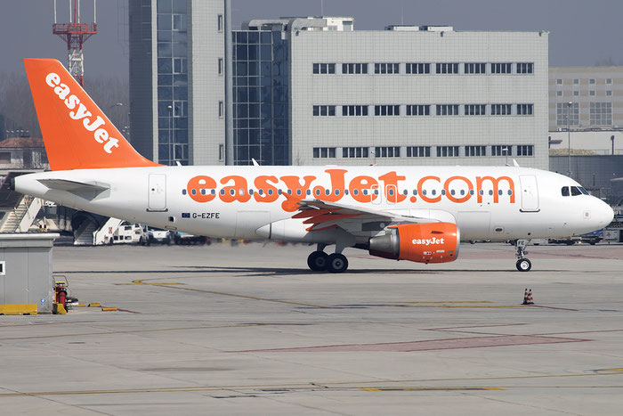 G-EZFE A319-111 3824 EasyJet Airline @ Venezia Airport 12.03.2015  © Piti Spotter Club Verona