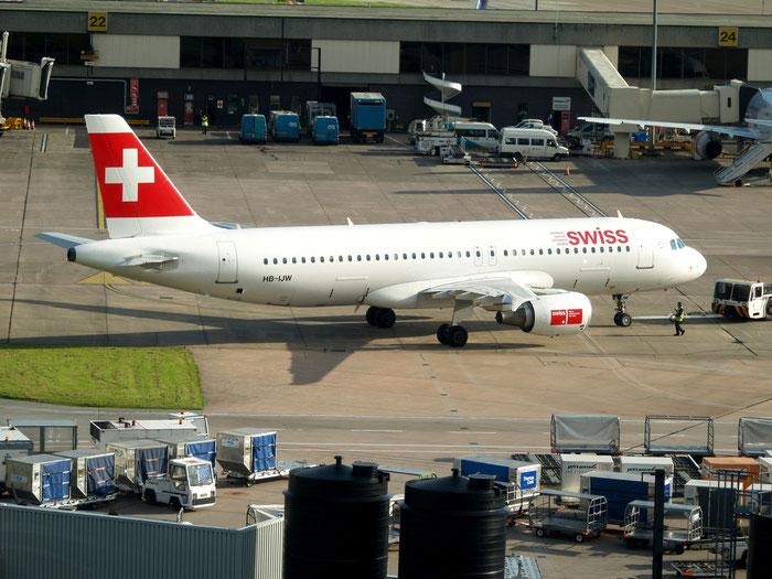 HB-IJV A320-214 2024 Swiss International Air Lines @ Manchester Airport 21.07.2012 © Piti Spotter Club Verona