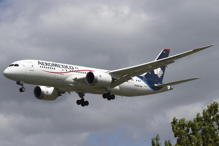 N966AM B787-8 35311/155 AeroMéxico - Aerovias de México @ London Heathrow Airport 05.2015 © Piti Spotter Club Verona