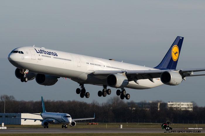 D-AIHH A340-642 566 Lufthansa @ Munich Airport 13.12.2015 © Piti Spotter Club Verona