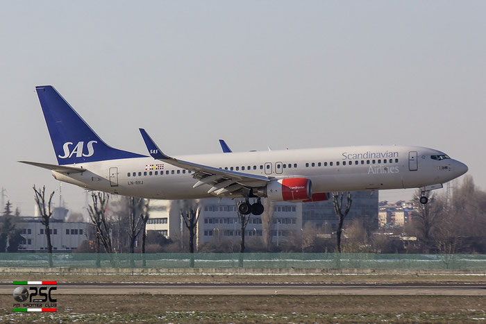 LN-RRJ B737-883 34547/2956 SAS Scandinavian Airlines - Scandinavian Airlines System @ Milano Linate Airport 30.12.2014 © Piti Spotter Club Verona