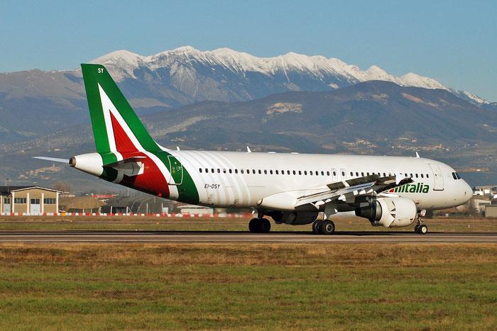 EI-DSY A320-216 3666 Alitalia @ Aeroporto di Verona 17.12.2017  © Piti Spotter Club Verona