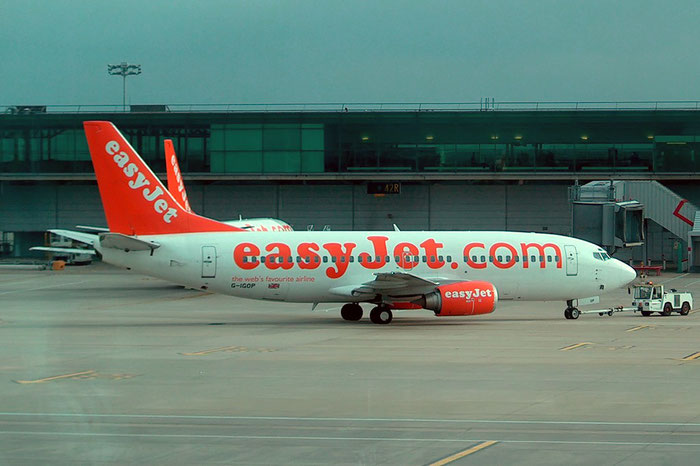 G-IGOP B737-36N 28602/3118 EasyJet Airline @ London Stansted Airport 2004  © Piti Spotter Club Verona