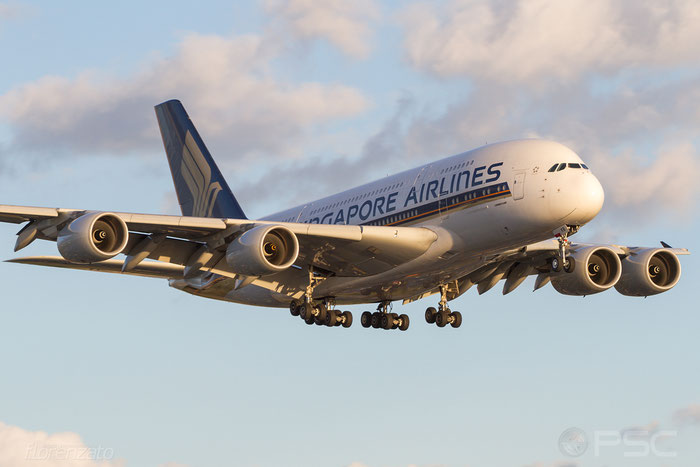 9V-SKB A380-841 5 Singapore Airlines @ London Heathrow Airport 2010 © Piti Spotter Club Verona