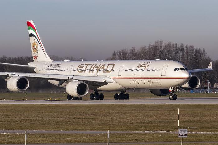 A6-EHF A340-642 837 Etihad Airways @ Munich Airport 28.12.2015 © Piti Spotter Club Verona