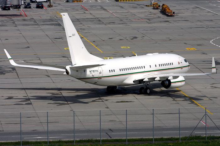 N79711 B737-7BQ (BBJ1) 30547/423 Dallah AVCO @ Munich Airport 05.2009 © Piti Spotter Club Verona