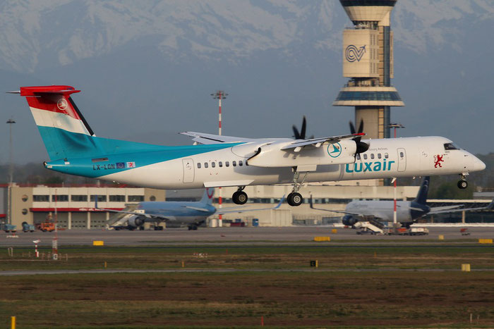 LX-LGN DHC-8-402 4426 Luxair @ Milano Malpensa Airport 14.04.2015 © Piti Spotter Club Verona