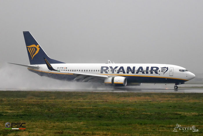 EI-FTM B737-800 44763/6240 Ryanair @ Aeroporto di Verona 11.2017  © Piti Spotter Club Verona