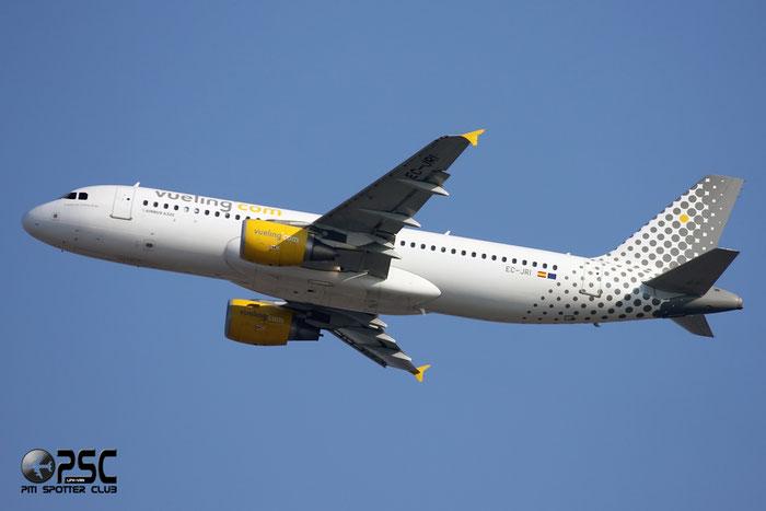 EC-JRI A320-214 2761 Vueling Airlines @ Milano Malpensa Airport 07.2008 © Piti Spotter Club Verona