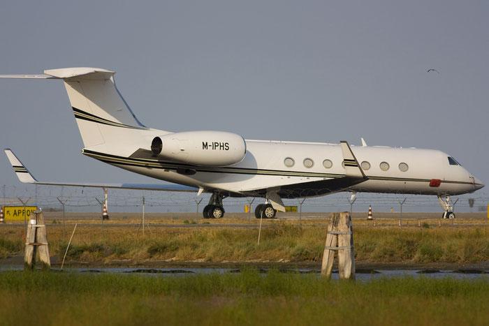 M-IPHS G550 5246 Global Jet IoM Ltd. @ Venezia Airport 12.08.2012 © Piti Spotter Club Verona