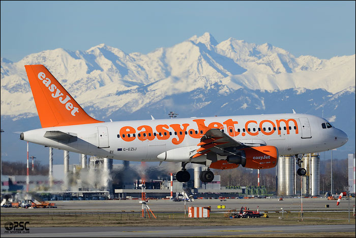 G-EZIJ A319-111 2477 EasyJet Airline @ Milano Malpensa Airport 25.01.2013  © Piti Spotter Club Verona
