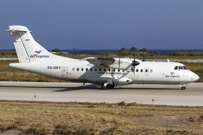 SX-GRY ATR42-310 012A Sky Express @ Rhodes Airport 08.07.2015 © Piti Spotter Club Verona
