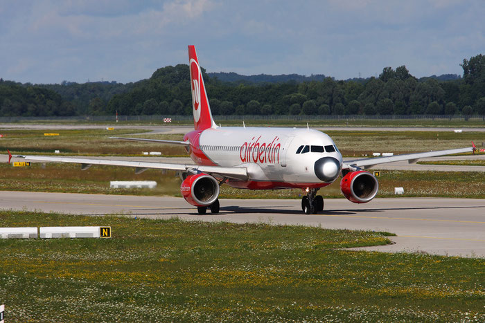 D-ALTE A320-214 1504 Air Berlin @ Munich Airport 05.2009 © Piti Spotter Club Verona