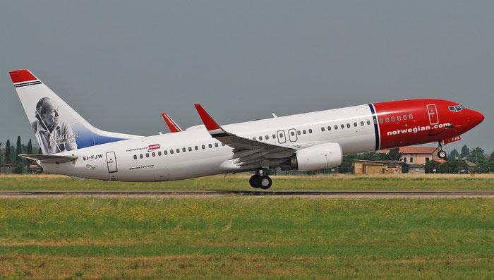EI-FJW B737-800 42286/6088 Norwegian @ Aeroporto di Verona 25.06.2018  © Piti Spotter Club Verona
