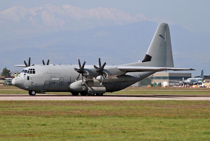 MM62177  46-42  C-130J  5498  2° Gruppo TM @ Aeroporto di Verona   © Piti Spotter Club Verona