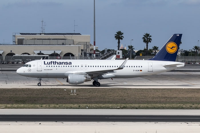 D-AIUM A320-214 6577 Lufthansa @ Malta Airport 08.2015  © Piti Spotter Club Verona