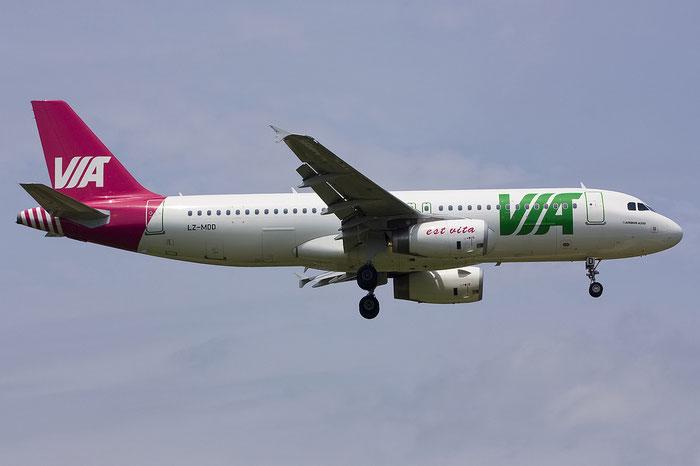 LZ-MDD A320-232 4305 Air VIA Bulgarian Airways @ Treviso Airport 06.08.2012 © Piti Spotter Club Verona