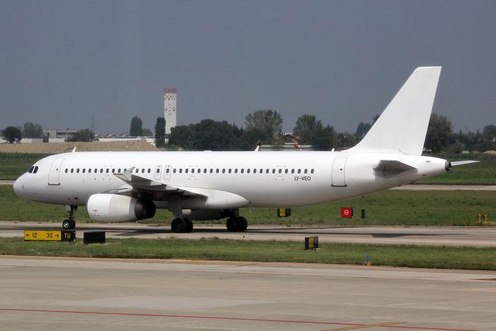 LY-VEO A320-233 558 Avion Express @ Bologna Airport 03.09.2014 © Piti Spotter Club Verona
